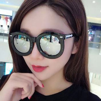 Side Arrow Pattern Big Rounded Frame Sunglasses