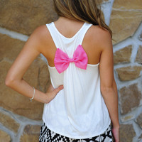Sitting Pretty Top: White/Pink | Hope's