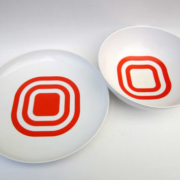 1970s vintage BOWLS⎮white melmac red squares⎮set of 2