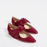 FLAT LEATHER SHOES WITH BOW
