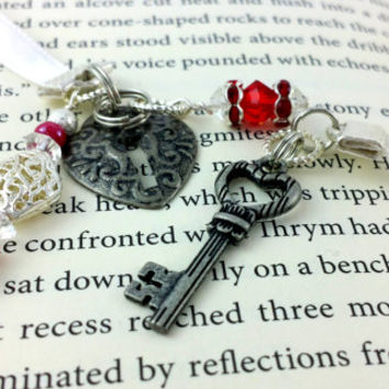 Ribbon Bookmark, Book Thong, Lock Key Bookmark, Skeleton Key, white Ribbon Bookmark, Beaded Bookmark, Wonderland, Christmas Gift, Pretty