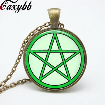 1 pcs green Pentagram Wicca Pendant Necklace charms Wiccan Jewelry personality glass Occult necklaces pendants FTC-N153