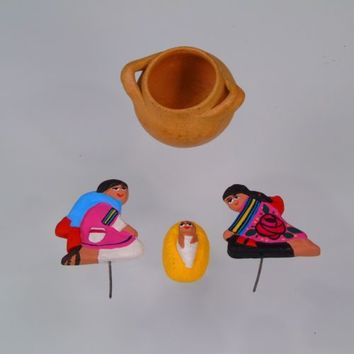 Mexican Folk Art Clay Pottery Primitive Miniature Picks Diorama Baby Shower
