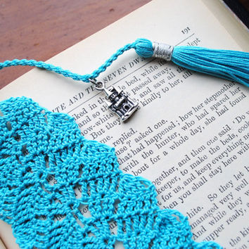 Crochet lace bookmark with a tassel, Egyptian cotton, teal, castle charm