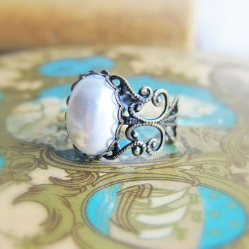 Pearl Ring Vintage Style Pewter Ring Steam Punk Gothic Black White Ring Lord of the Ring LOTR Whimsical Fairy Tale Fantasy