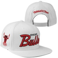 Mitchell & Ness Chicago Bulls Hardwood Classics Snapback Adjustable Hat - White