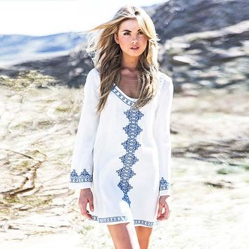 2018 New Brand Women Summer Cotton Dress Sexy Loose O-Neck Petal Sleeve Mini White Beach cover up Dresses Bikini