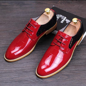 Men Flats Patent Leather Fashion sapato masculino Casual Dress Leather shoes Oxfords Lace-Up Wedding shoes 022