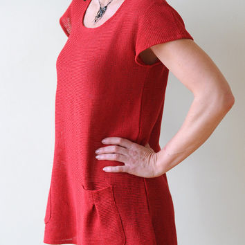 Red Linen Tunic with two Pockets on Front side, a Round Neck and Short Sleeves, knitted from Eco-Friendly Yarn
