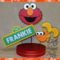 Elmo Centerpiece Personalized Name and Age - Sesame Street, Dorothy