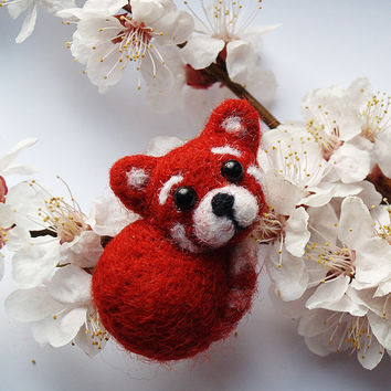 Animal Jewelry, Red Panda brooch, panda pin, felt wool animal, felt Miniature panda ,brooch for scarf, needle felting animal, kid gift