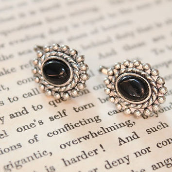 Retro oval Black onyx jade cabochon antique silver clips/Clip on earrings/Vintage/Bohemian/Gypsy/handmade/made to order