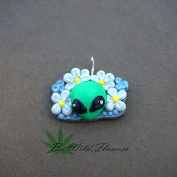Cute Floral Alien Charm Necklace / Baby Blue daisy space head cosmos stars universe pastel green kawaii Grunge Stoner hippie nature