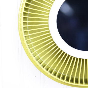 Wall Mirror Decorative / Vintage Citrus Green Mirror / Round Mirror  Wall Mirrors / Sunburst Mirror Circle Mirror Lime Green Mirror Recycled