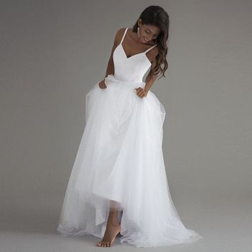 Spaghetti Strap Elegant Beach Wedding Dresses Simple White Tulle Lace Bridal Gowns