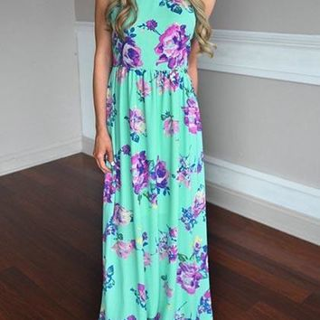 Here Comes The Beauty Floral Print Maxi Dress