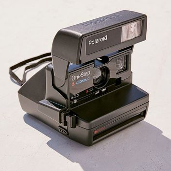 Polaroid Originals Refurbished Close-Up Instant Camera | Urban Outfitters