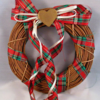 Christmas Xmas Wreath Holiday Decor Grapevine Ribbons Heart