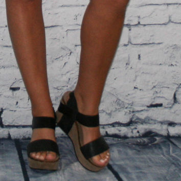 Black Talk of the Town Wedge