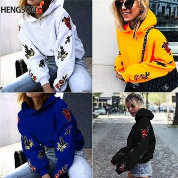 Autumn Fashion Butterfly Roses Floral Print Hooded Sweatshirt Women Long Sleeve Pullovers Plus Velvet Hoodies Sudadera Mujer
