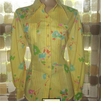 Vintage 70s Yellow Floral & Polka Dot Print Novelty Blouse Button Down Shirt Dagger Collar Fitted M/L