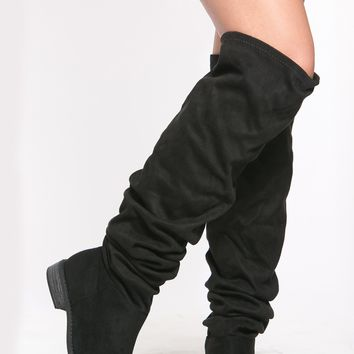 Black Thigh High Slouch Boots @ Cicihot Boots Catalog:women's winter boots,leather thigh high boots,black platform knee high boots,over the knee boots,Go Go boots,cowgirl boots,gladiator boots,womens dress boots,skirt boots.