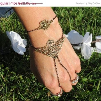 Sized Slave Bracelet, Ring Bracelet, Hand Chain, Hand Bracelet, Bracelets, Hand Jewelry, Tribal, Festive, Festival, Chained, Triangle