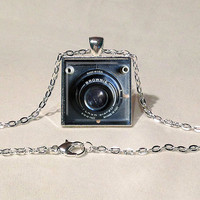 BOX BROWNIE CAMERA Necklace Camera Pendant Vintage Camera Jewelry Photographer Gift Black White Gift for Her Antique Camera Pendant