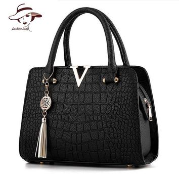 Crocodile Leather Women Bag V Pendant Designer Handbag Luxury Quality Lady Shoulder Crossbody Bags Fringed Female Messenger Bag