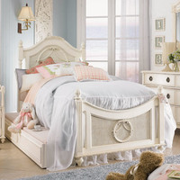 Cadence Cameo Wreath Bed