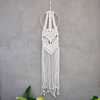 Macrame wall decor Round wall hanging Bohemian home decor White tapestry