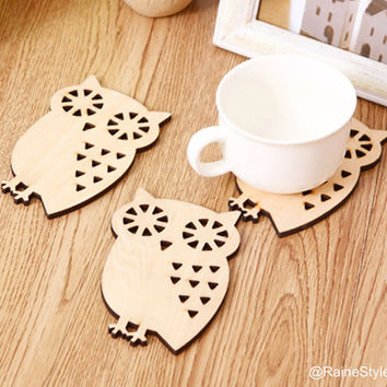 4 pieces Set. Little Beige Owl Wooden Coasters Set. Cute Forest Animals Coasters. New Home Gift