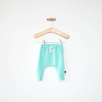 Slim Harems in Seafoam