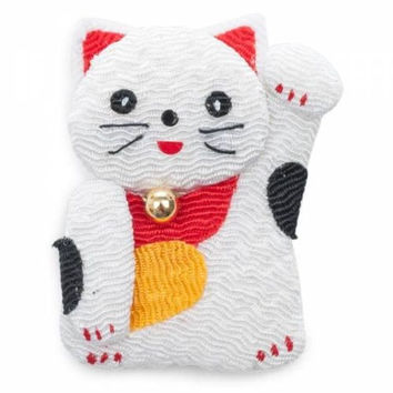 White Lucky Cat Japanese Fridge Magnet: Bring Good Fortune