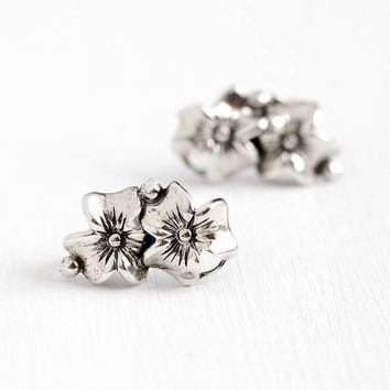 Vintage Sterling Silver Double Flower Screw Back Earrings - Retro 1950s Clip On Signed Beau Three Petal Dogwood Like Floral Motif Jewelry