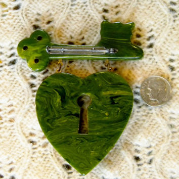 CIJ  1940s World War II Green Bakelite MacArthur Heart Lock & Key Dangle Pin- Book Piece- Extremely Rare!