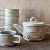 Custom Natural White Sandinavian Rustic Modern Stoneware Tea Set