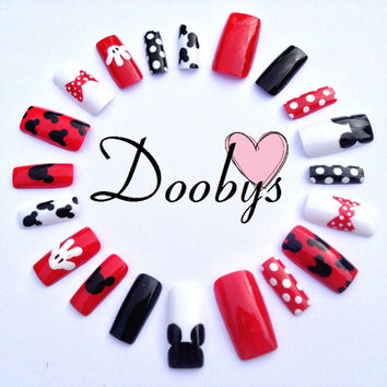 Doobys Basic - Mickey Mouse - 20 Hand Painted False Nails