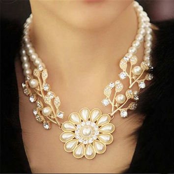 Simulated Pearl Chain Necklace