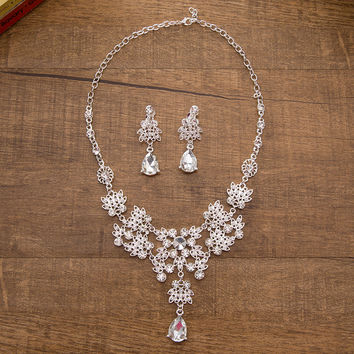 Korean white three-piece Jewelry bridal Necklace earrings Jewelry Sets wedding accessories luxury Alloy crown jewelry women