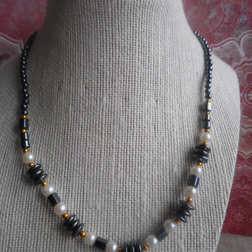 "8"" Black Beaded With Faux Pearl Rebel Necklace"