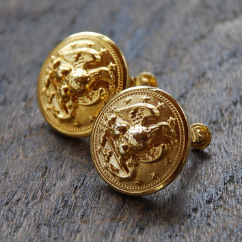 Vintage LES BERNARD Clip On Earrings Screw Back Round Eagle Button Coin Textured Gold Tone 1980's // Vintage Designer Costume Jewelry