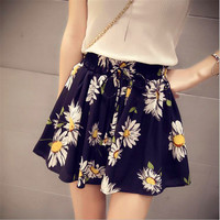 2016 summer Korean sunflowers Slim loose black shorts student high waist chiffon culottes thin section shorts skirts women