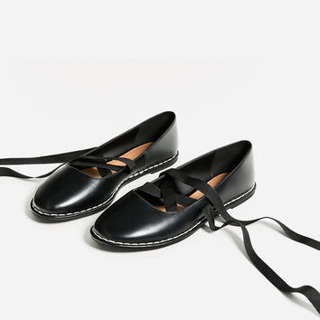 LACE-UP BALLERINAS WITH TOPSTITCHING DETAILS