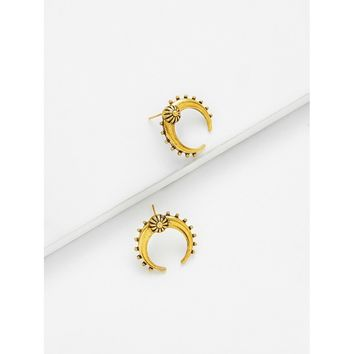 Exaggerated Moon Design Stud Earrings