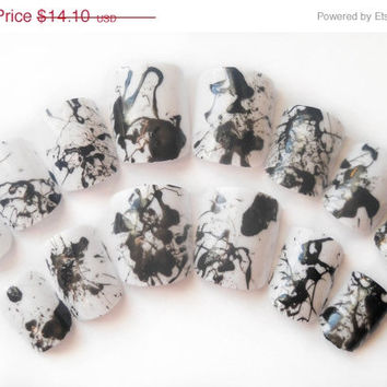ON SALE Black and White Nails, Fake Nails, Grafitti Nails, Ink Blot Nails, False Nails, Manicure, Artificial Nails, Press on Nails, Acrylic