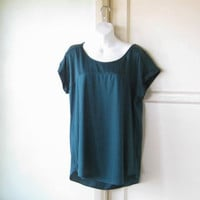 Silky Emerald Green Tunic;Women's Large Green Short-Sleeve Scoopneck Shell for Clubs/Dates/Career/Social; U.S. Shipping Included