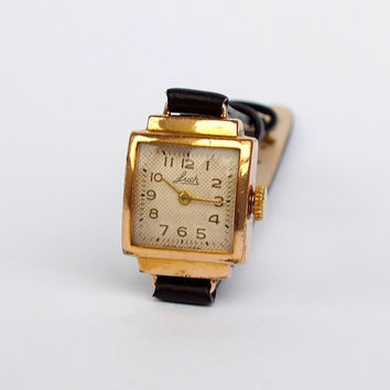 Womens watch Luch 60s. Small, gold plated ladies watch. Mechanical womens wristwatch. Vintage watch for women 15 jewels. Retro style watch.