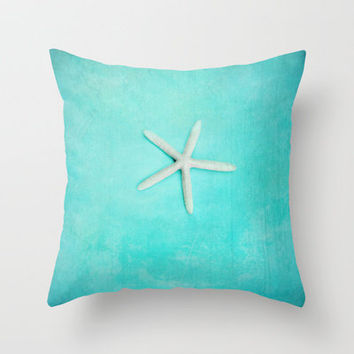 starfish-2 Throw Pillow by Sylvia Cook Photography   Society6