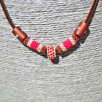 Velvet rope necklace in burgundy with handmade peyote tubes and strass bead, everyday necklace, burgundy velvet, beaded beads